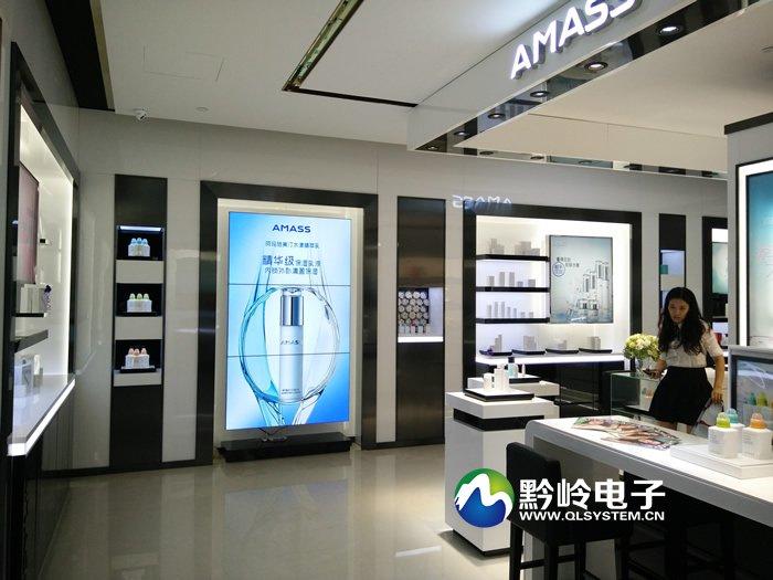 贵阳哥弟卖场液晶拼接大屏幕由黔岭电子安装